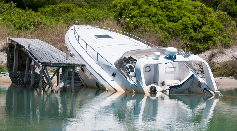 how to save your boat from sinking